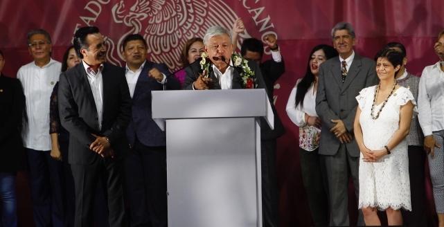 Abre AMLO el IMSS a población pobre en Veracruz
