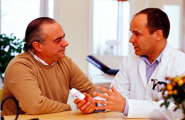 Acudir tardíamente al médico familiar ocasiona afectaciones económicas