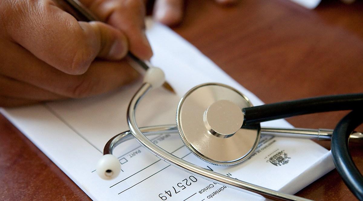 Acusan prescripción indebida de fármacos