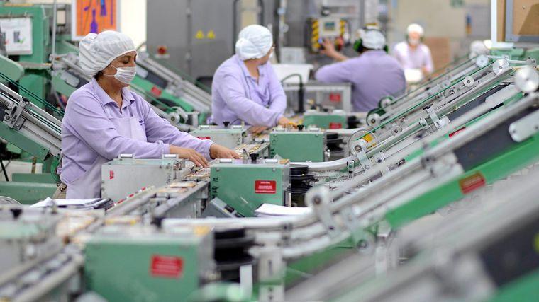 Baja desempleo pero aumenta precariedad laboral