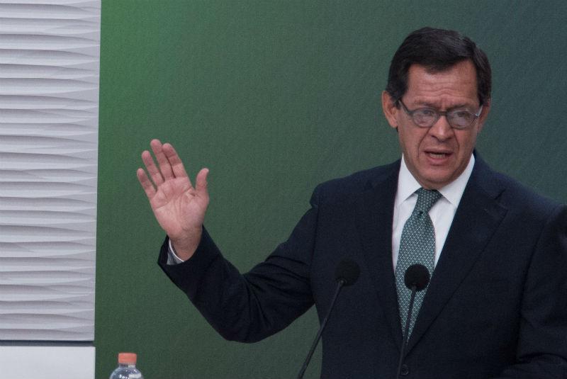 Campa Cifrián firma acuerdo para difundir políticas laborales incluyentes