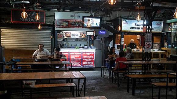 Cierran 13,500 restaurantes en CDMX; 'tenemos el agua hasta el cuello', alertan