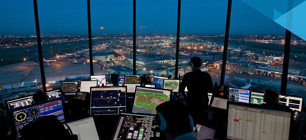 Controladores aéreos logran suspensión de ley de salarios