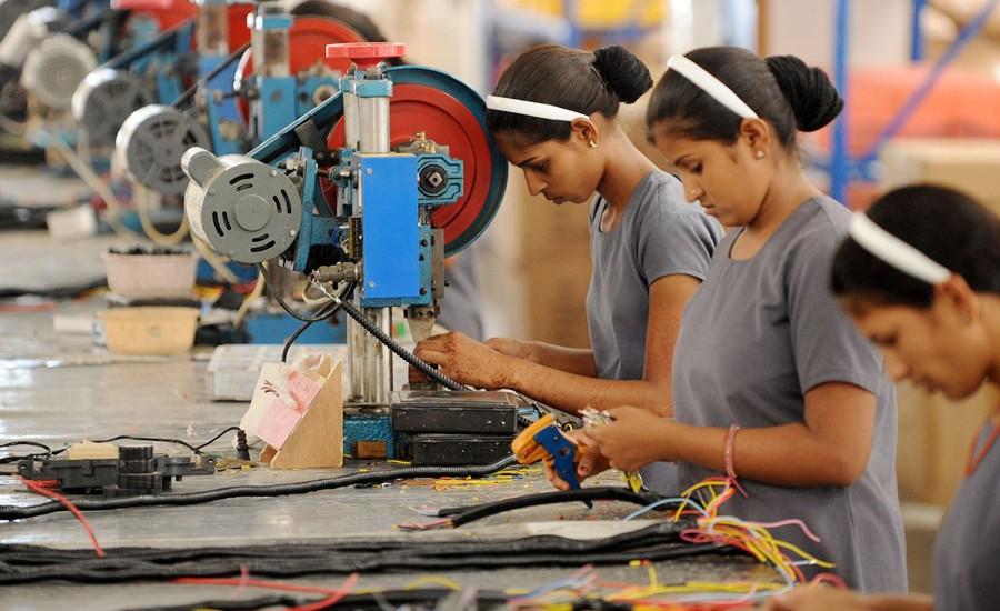 Crece 4.4% empleo en maquiladora