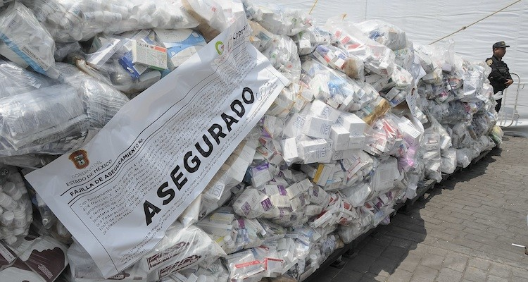 Decomisan 1,240,000 productos riesgosos a a salud