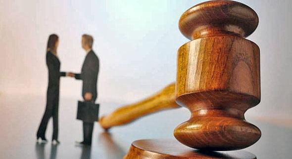 Empresarios inician batalla legal contra la reforma de outsourcing