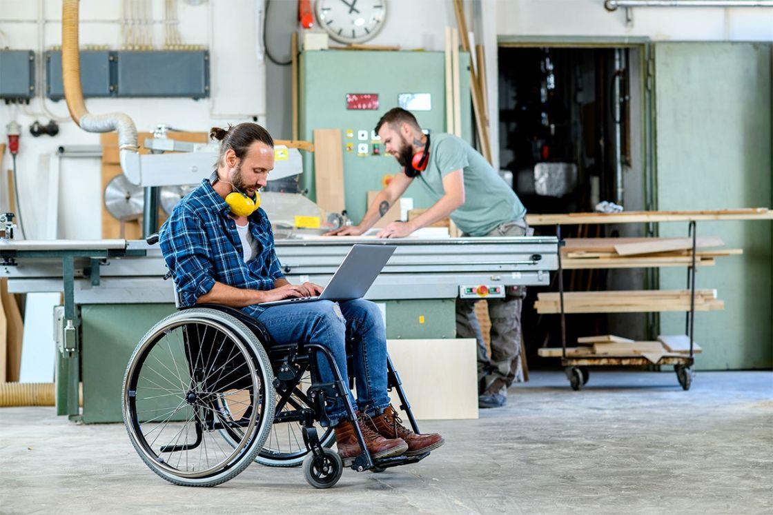 Guía para contratar y entrenar a jóvenes con discapacidad usando la tecnología
