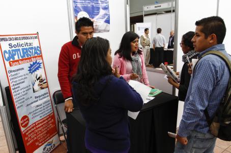 Impulsan eventuales empleo en el IMSS