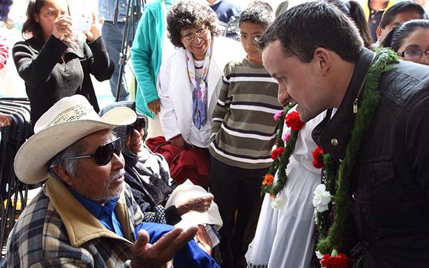 IMSS realiza cirugías oftalmológicas a indígenas