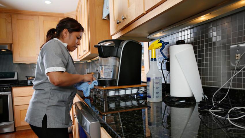 Informal, 97.6% de trabajadores domésticos en México