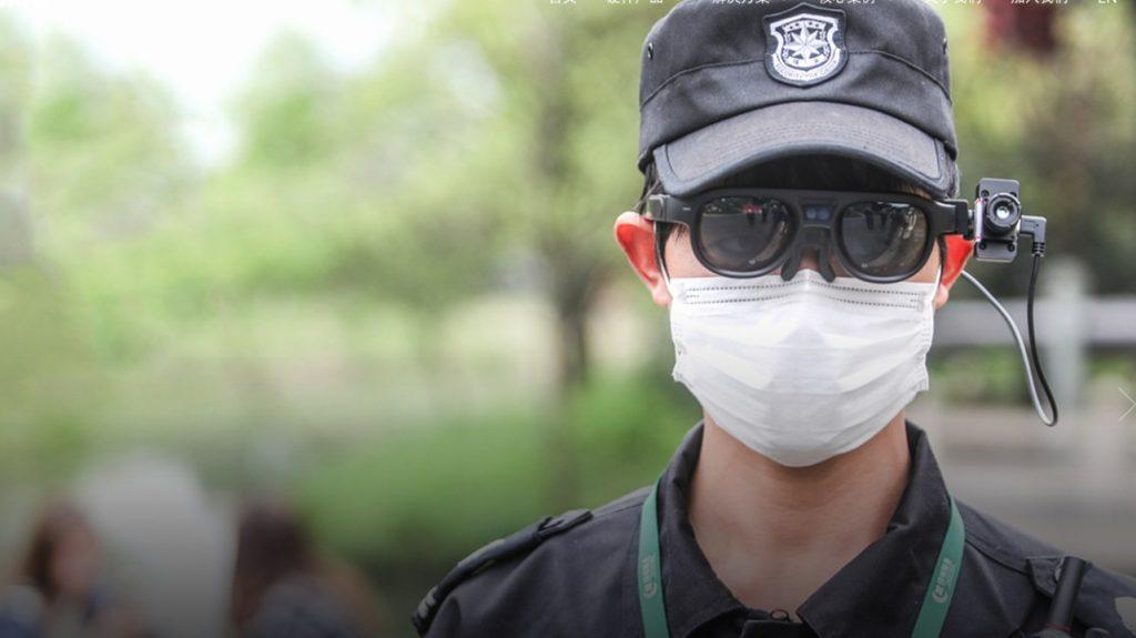 Mediante lentes de IA China busca a personas con síntomas de Covid-19