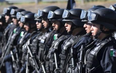 Mejorar mejorar condiciones laborales de policías
