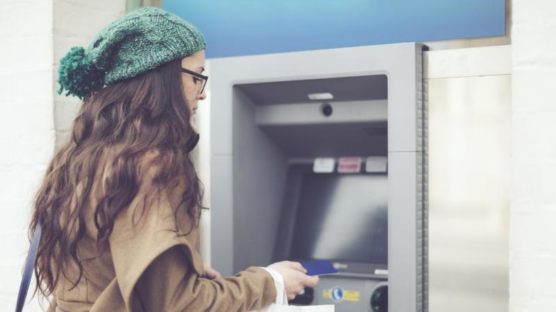 Millennials irresponsables, se endeudan y no tienen para pagar