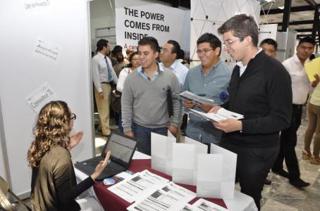 Oferta IPN mil vacantes en su Feria de Empleo