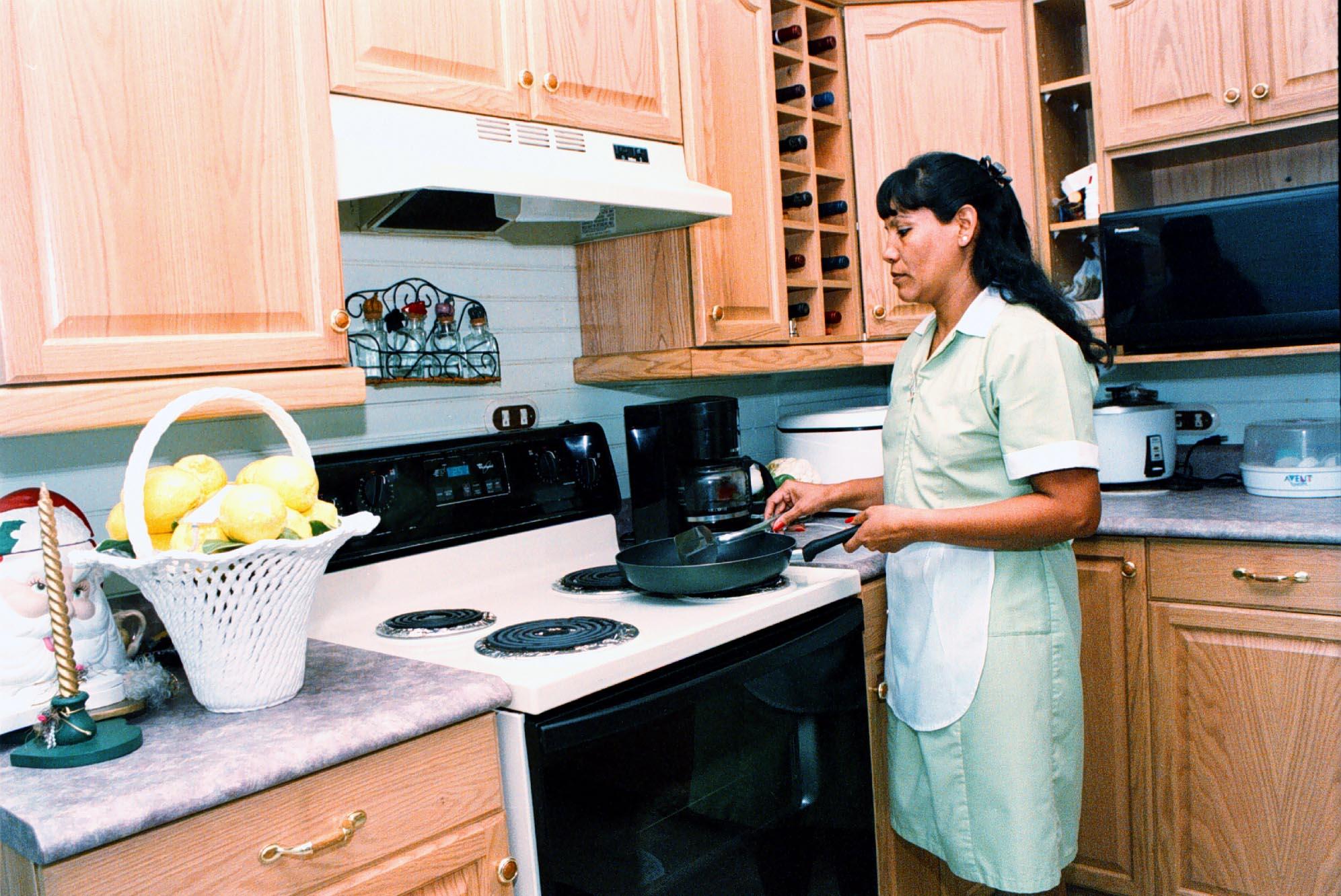 Piden modificar Ley del IMSS para afiliar a domésticas