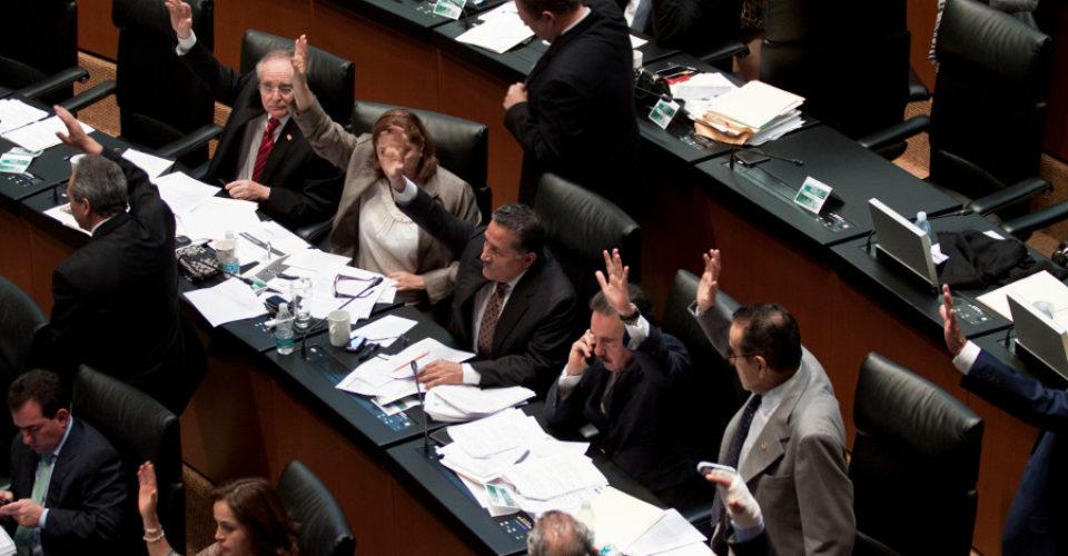 Reconocen trabajo de diputados por avalar reforma laboral