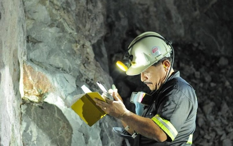 Se prenden los mineros en recuento de titularidad de CCT