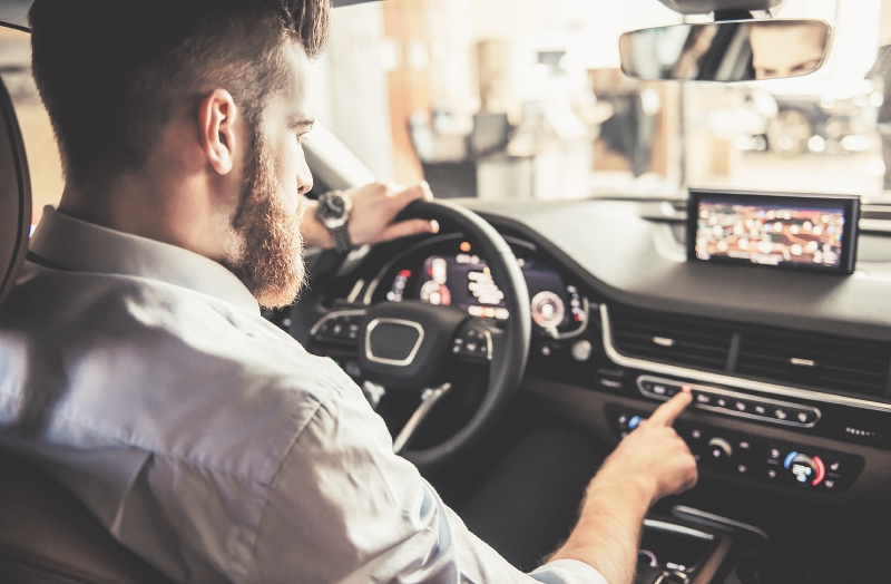 Sector automotriz requiere millennials
