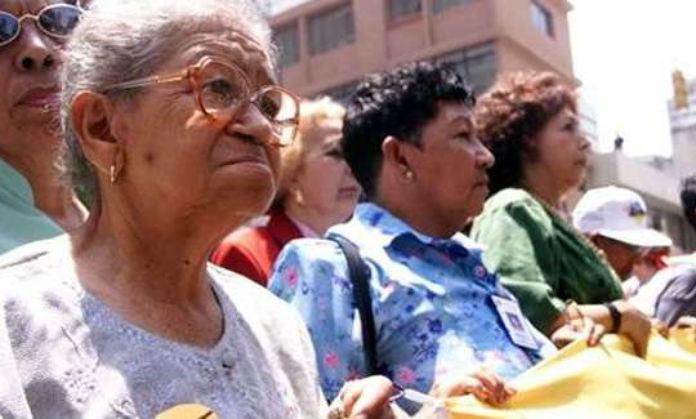 UNAM proponen cambiar afores por un sistema público de pensiones