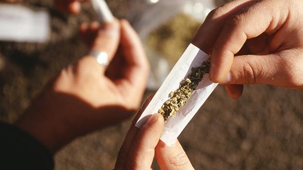 Ven negativa a legalización total de la mariguana