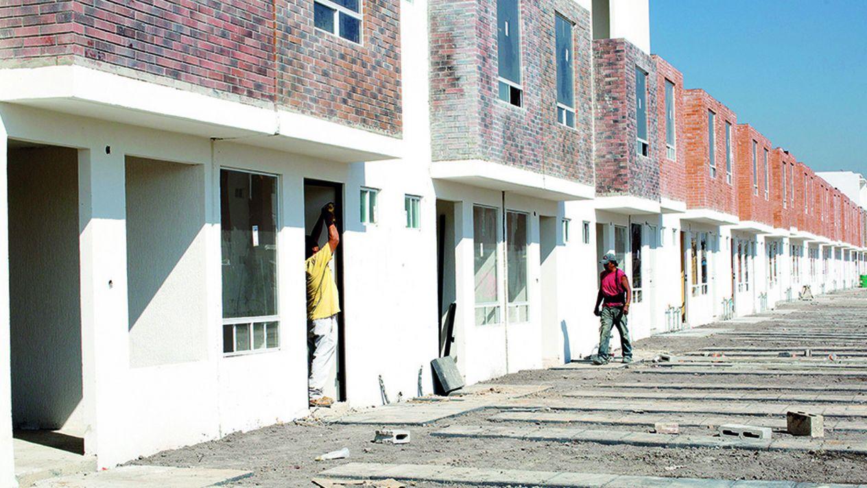 Otorgarán créditos de vivienda a personal médico y maestros