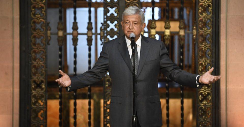 Ganar 600 mil pesos al mes como funcionario es corrupción: López Obrador