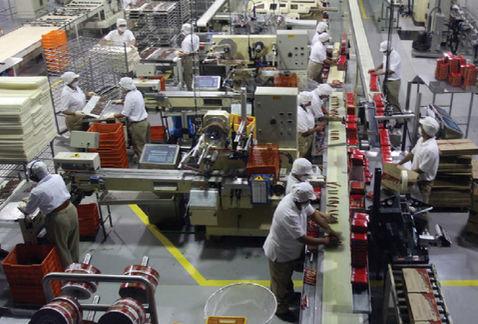 Crecen empleos 2.9% en el sector manufacturero