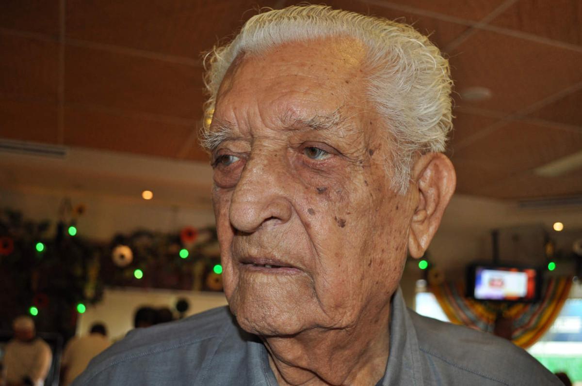 Peña Nieto lamenta muerte de Leobardo Flores Ávila, fundador de la CTM